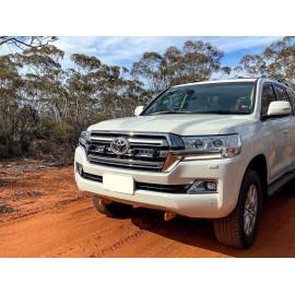 Kühlergrill Kit für den Toyota Landcruiser 200 , für LAZER Triple-R Fernlichter